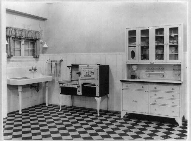 1924 Kitchen